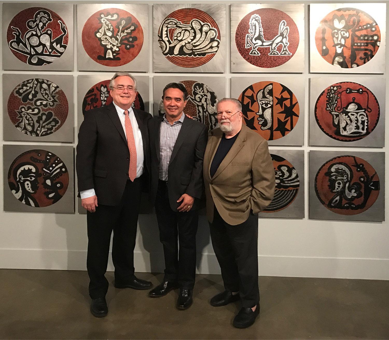 Jack Rassmusen, Carlos Luna, y Ramón Osuna en la exhibición Green Machine: The Art of Carlos Luna; American University Museum, Washington, DC, 2017