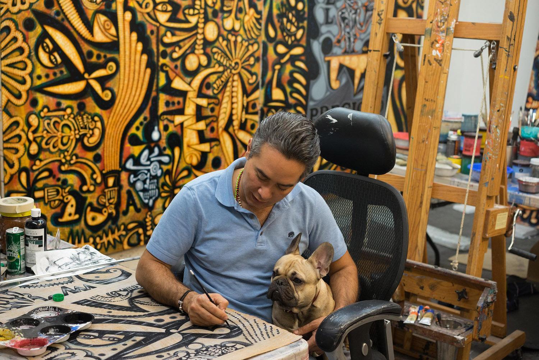 Carlos Luna con su perro Churro, Miami, FL, 2017
